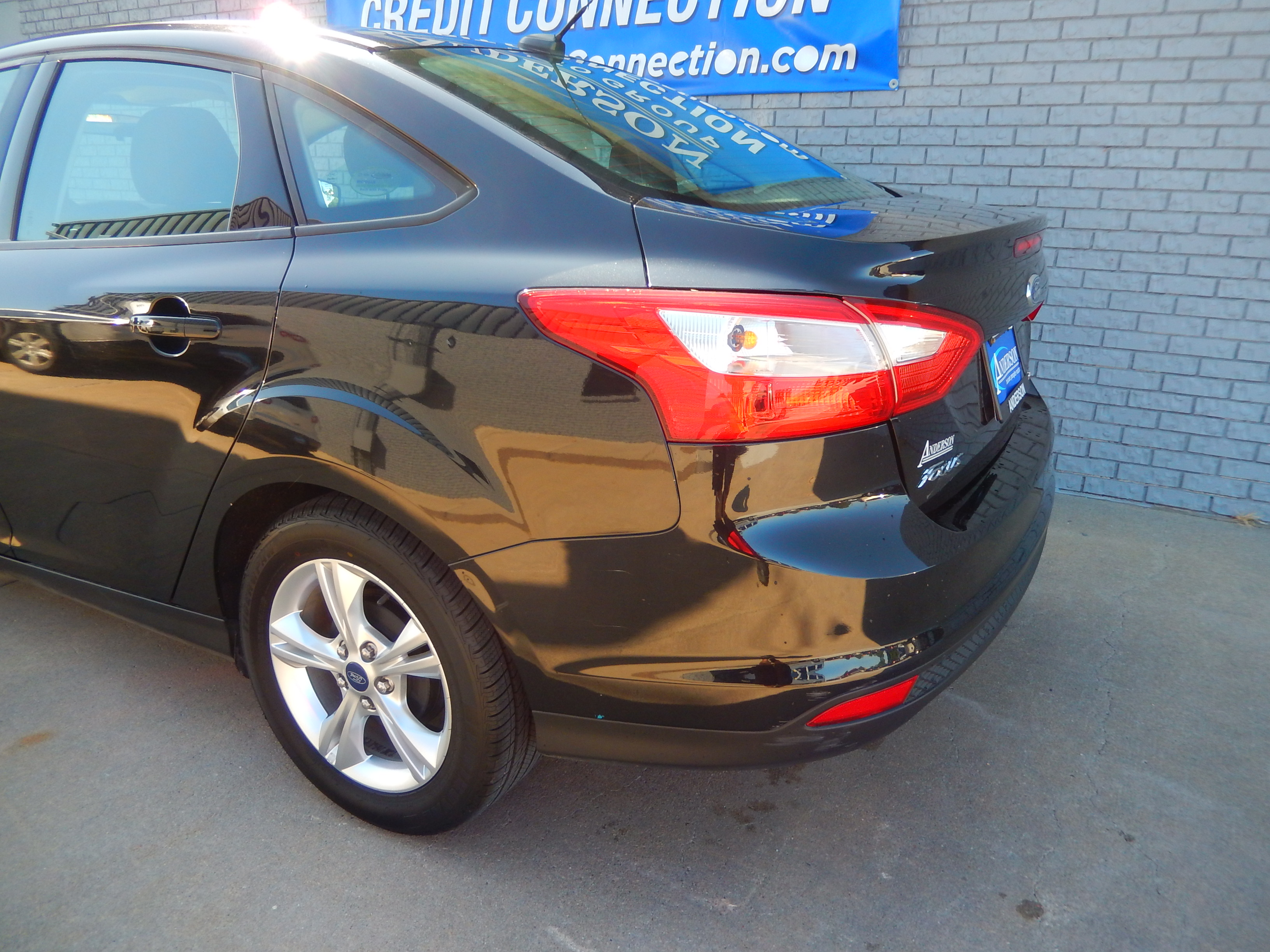 Used 2014 Ford Focus SE Sedan for sale in