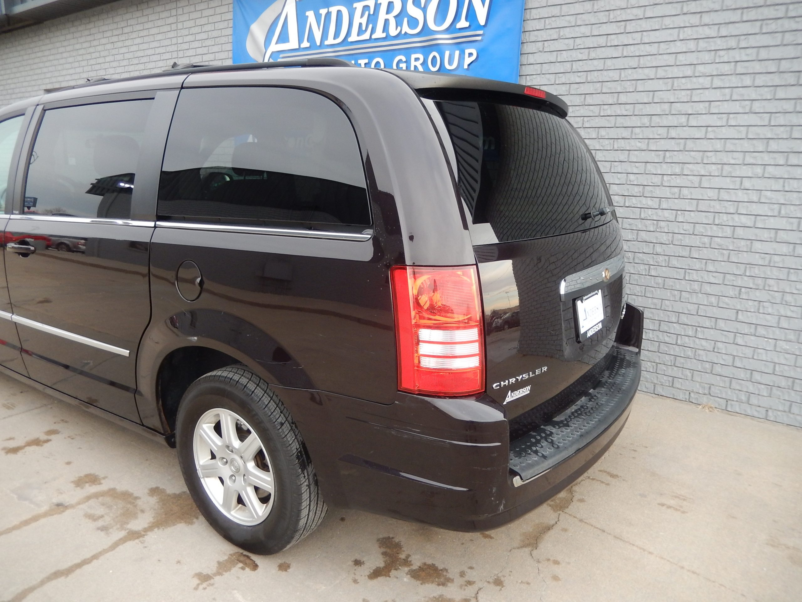 Used 2010 Chrysler Town & Country Touring Minivan for sale in