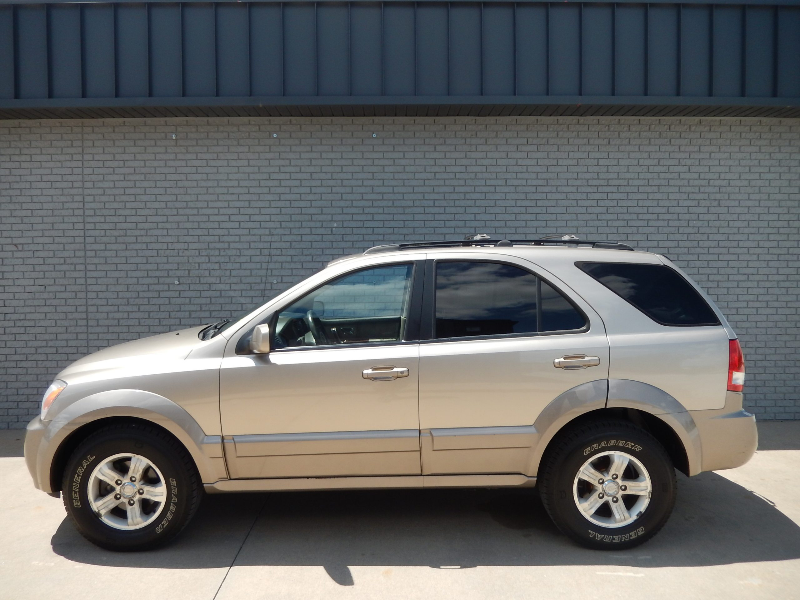 Used 2006 Kia Sorento LX SUV for sale in