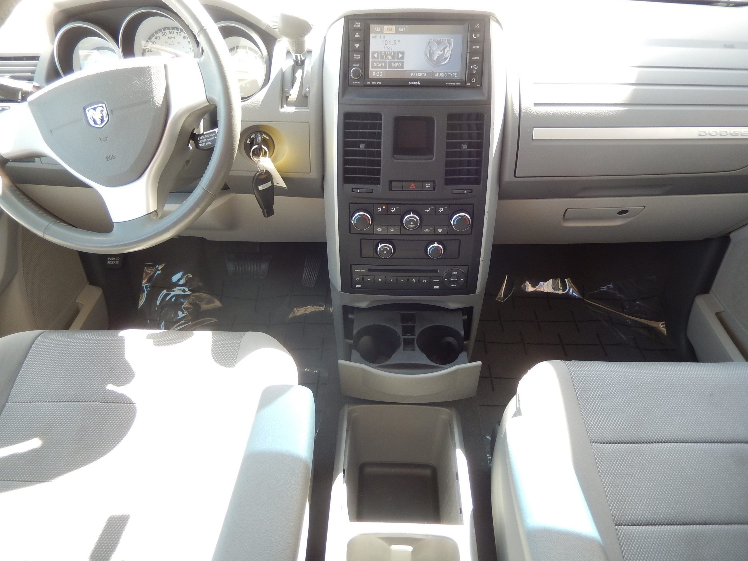 Used 2009 Dodge Grand Caravan SXT Minivan for sale in
